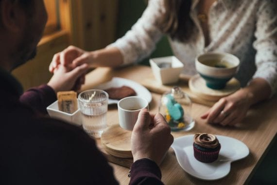 Date night on Valentine's Day can be a big event for some couples. Offer tips and recommendations to help the folks who read or watch your content have an enjoyable evening.